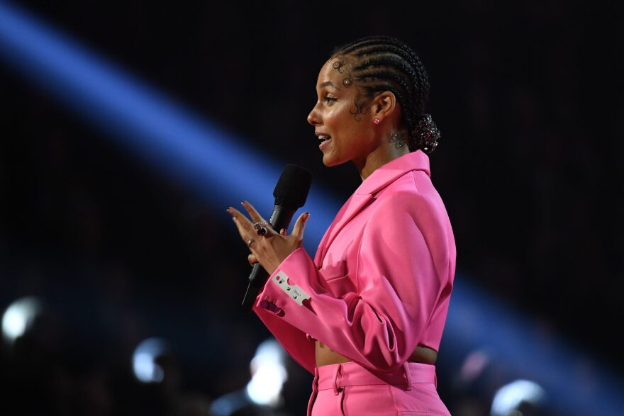 Singer-songwriter Alicia Keys speaks during the 62nd Annual Grammy Awards on January 26, 2020, in Los Angeles. (ROBYN BECK/AFP via Getty Images)