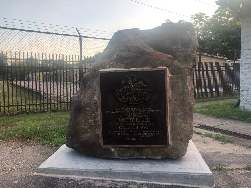 Marker Dedicated To Robert E. Lee In The Parking Lot Of The Fraternal Order Of Eagles In Franklin, Ohio