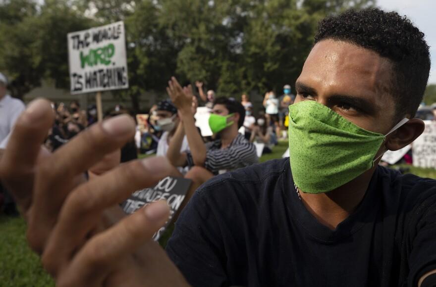 Naples Protest14.JPG