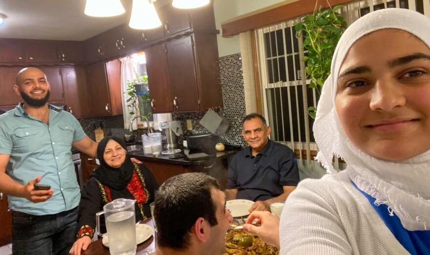 052220_Fatima Al-Shaikhli and her family_Ramadan at home_Jodi Fortino.JPG