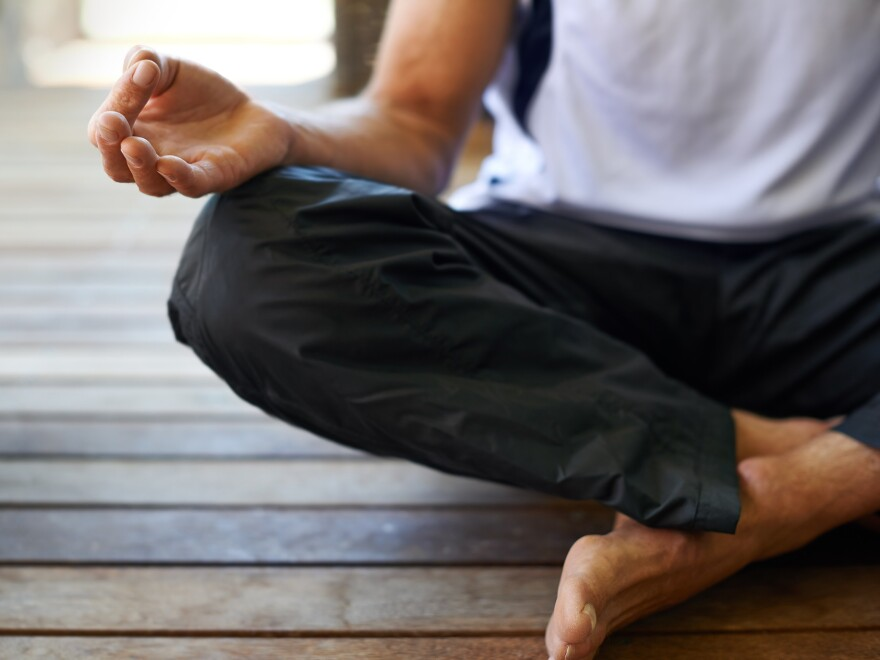 It doesn't require yoga or meditation to destress by taking long, slow breaths.