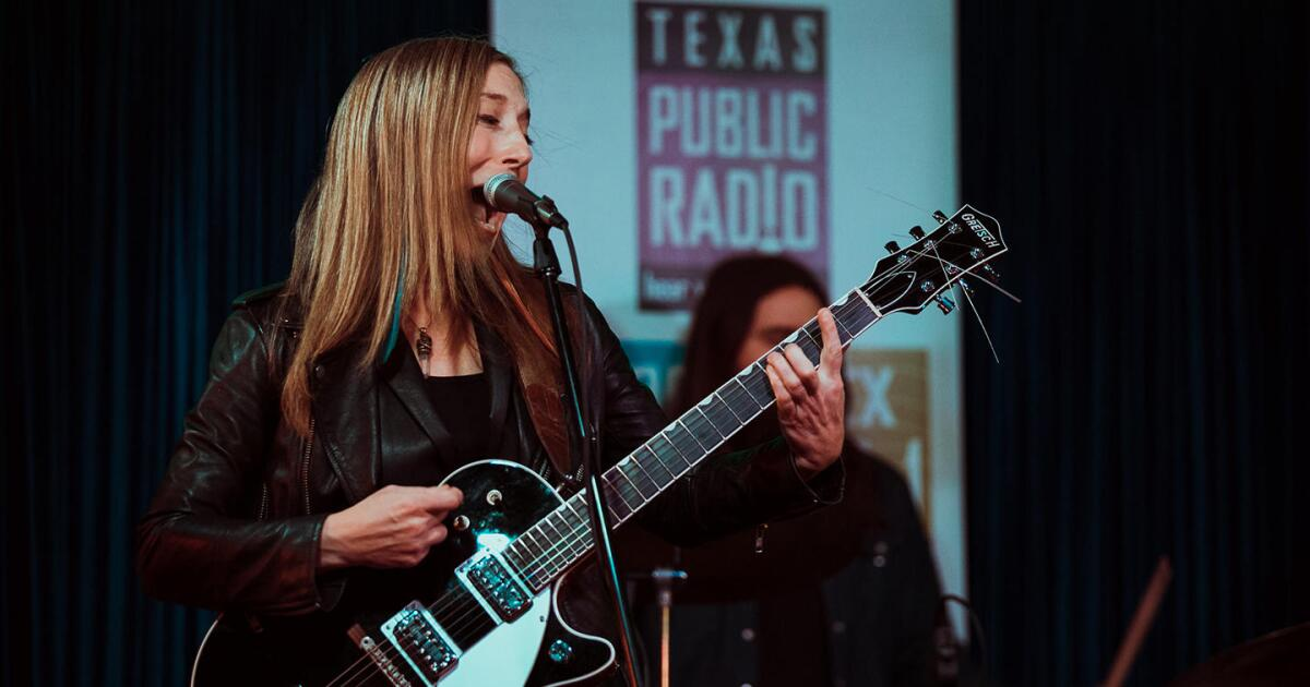 VIDEO: Erika Wennerstrom Live At The Lonesome Lounge Sessions