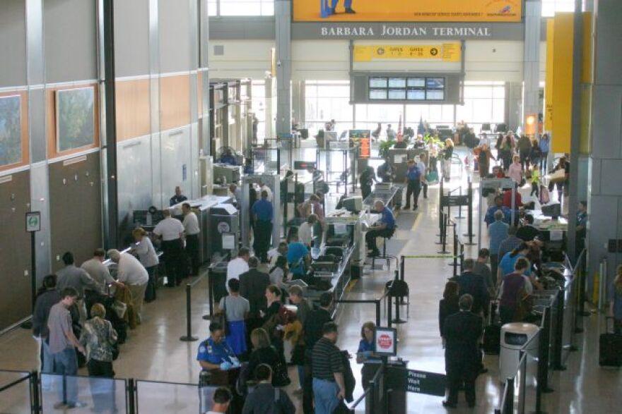 ABIA, security checkpoint, 11-17-10.jpg