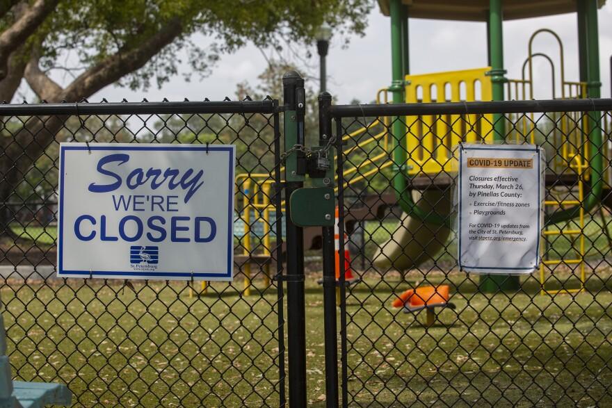 Closed sign at Crescent Lake Park