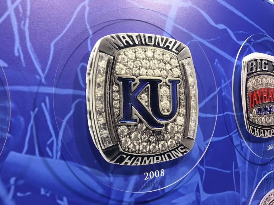 032718_ge_ku_championship_ring_2008.jpg