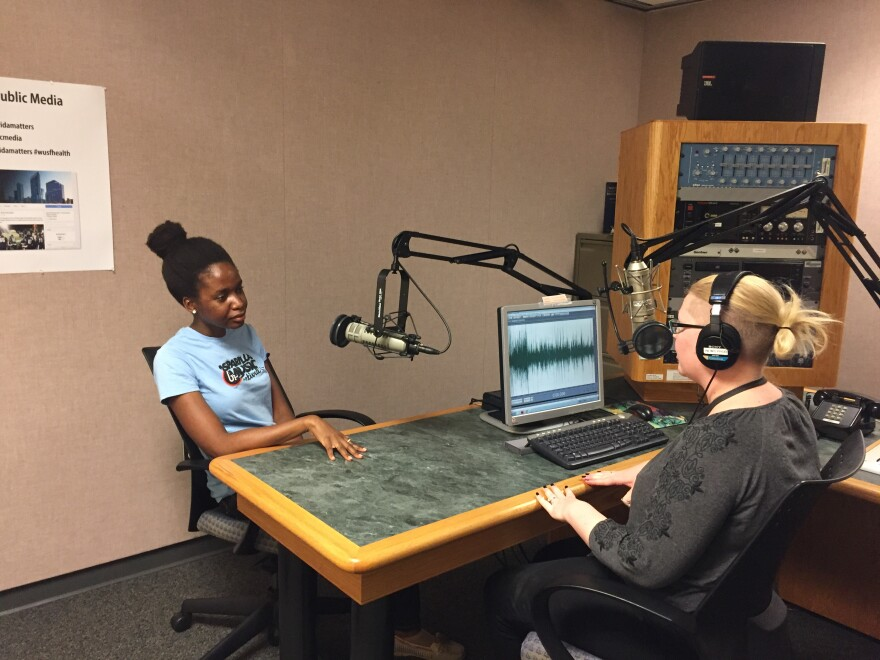 Wainella Isaacs talks with reporter Daylina Miller about her experience at the USF Counseling Center.