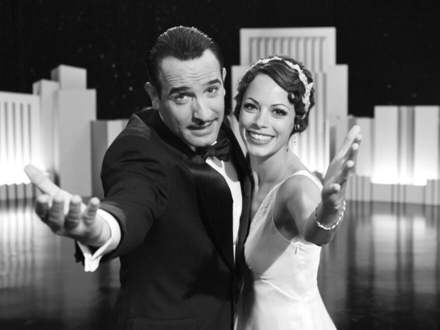 <strong>'The Artist':</strong> Silent-screen idol George Valentin (Jean Dujardin) and up-and-coming dancer Peppy Miller (Berenice Bejo) share a vivacious moment onstage.<em></em> <em></em>