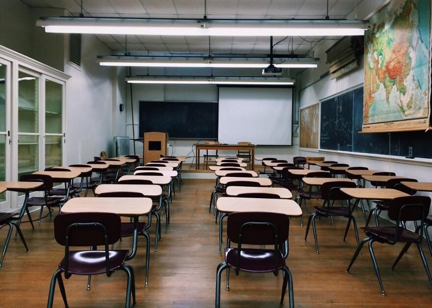 classroom-school-teacher-teach-desks-education-learning-2093743_1920.jpg
