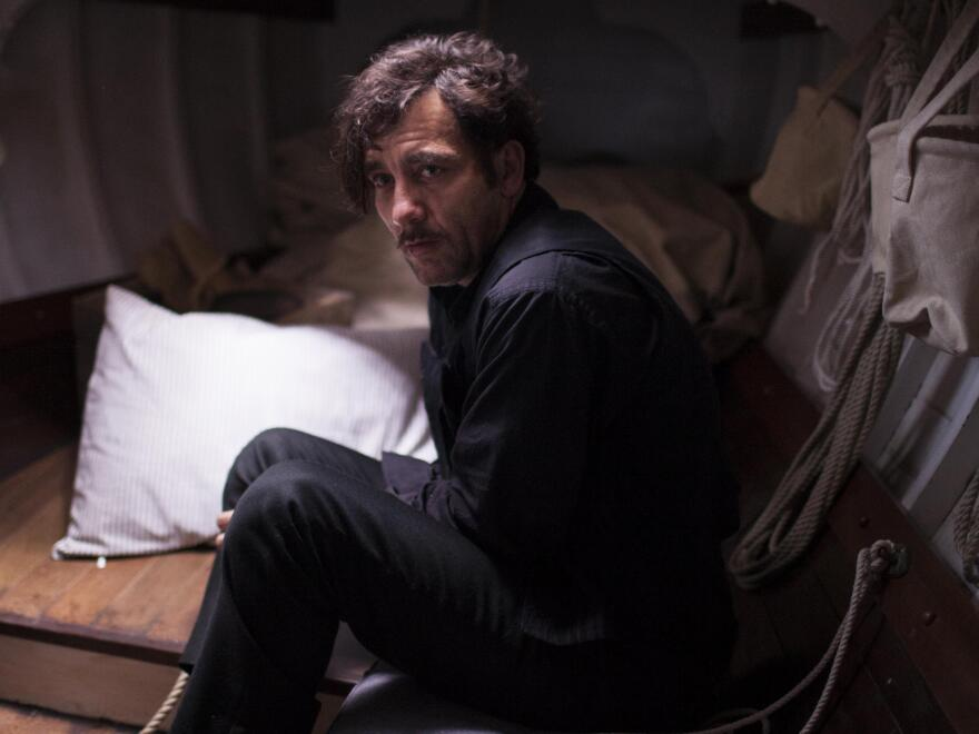 Clive Owen plays Dr. John Thackery, a drug-addicted doctor, in <em>The Knick. </em>