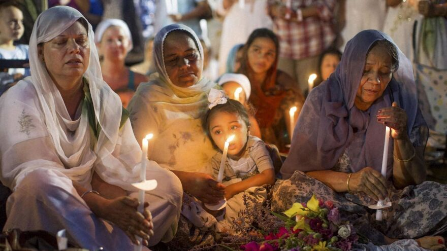 SikhTempleVigil.jpg