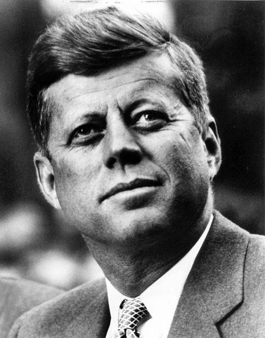 512px-john_f._kennedy__white_house_photo_portrait__looking_up.jpg