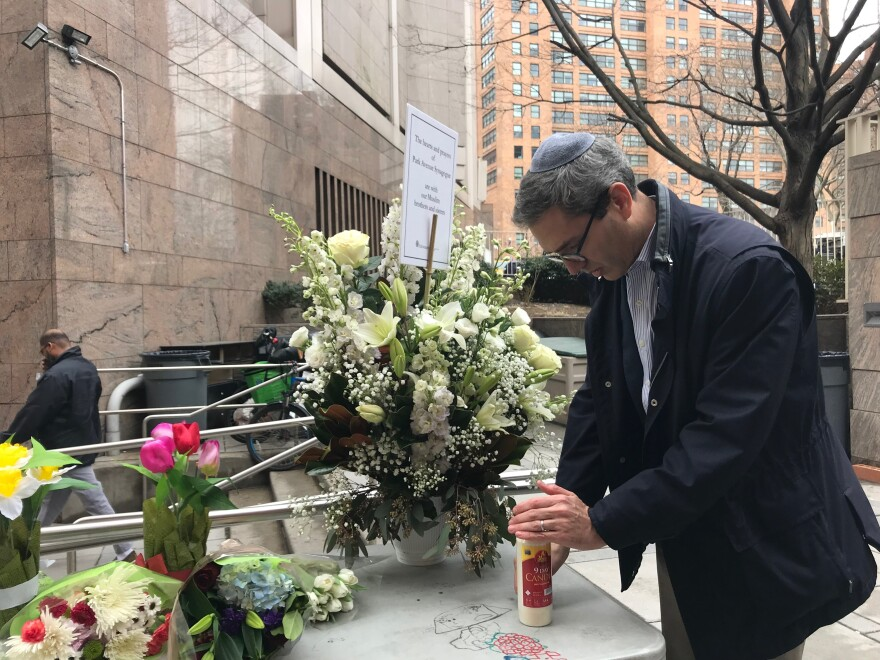 Rabbi Elliot Cosgrove of the Park Avenue Synagogue in New York City bought a massive bouquet of white flowers to the Islamic Cultural Center in Manhattan after the mass shootings at two New Zealand mosques.