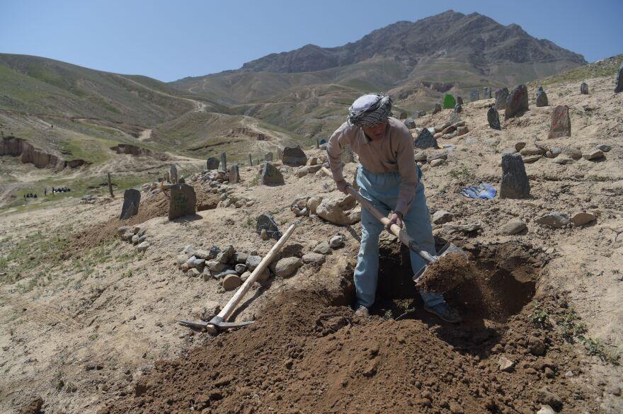 A gravedigger in Kabul.