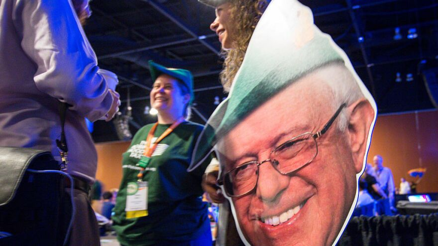 Sanders fans depict him as Robin Hood for his views on inequality. So why isn't he winning the most unequal states?