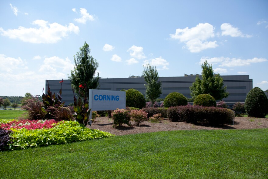 Corning will expand its optical fiber plant in Midland, in Cabarrus County.