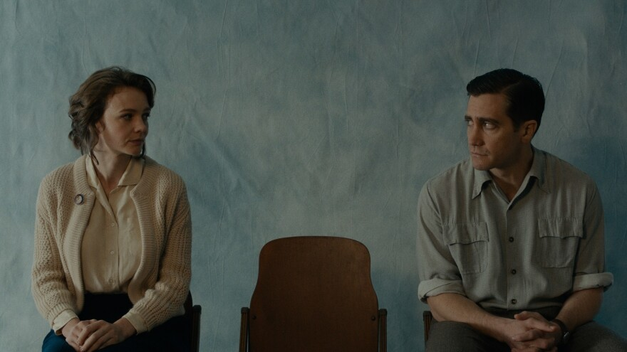 A marriage crumbles in <em>Wildlife, </em>starring Carey Mulligan (left) and Jake Gyllenhaal.