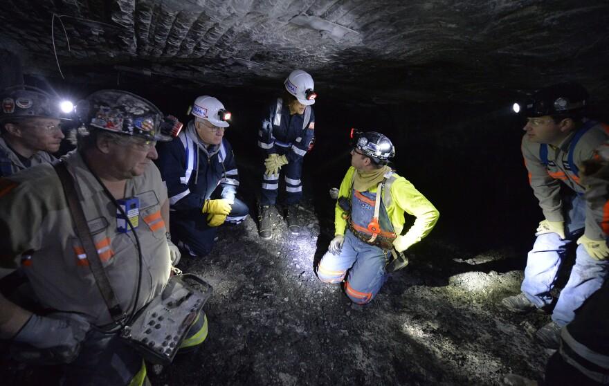 Coalminersunderground.jpg
