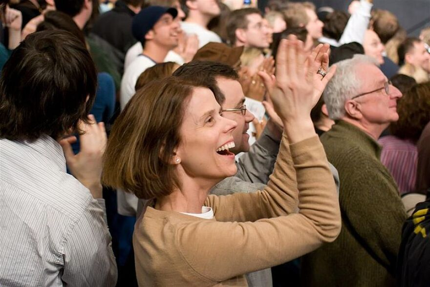 800px-Barack_Obama_Rally_Feb_2_2008_3.jpg