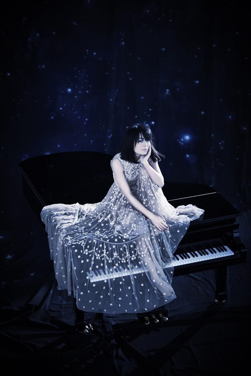 AliceSaraOtt_2018_piano.jpg