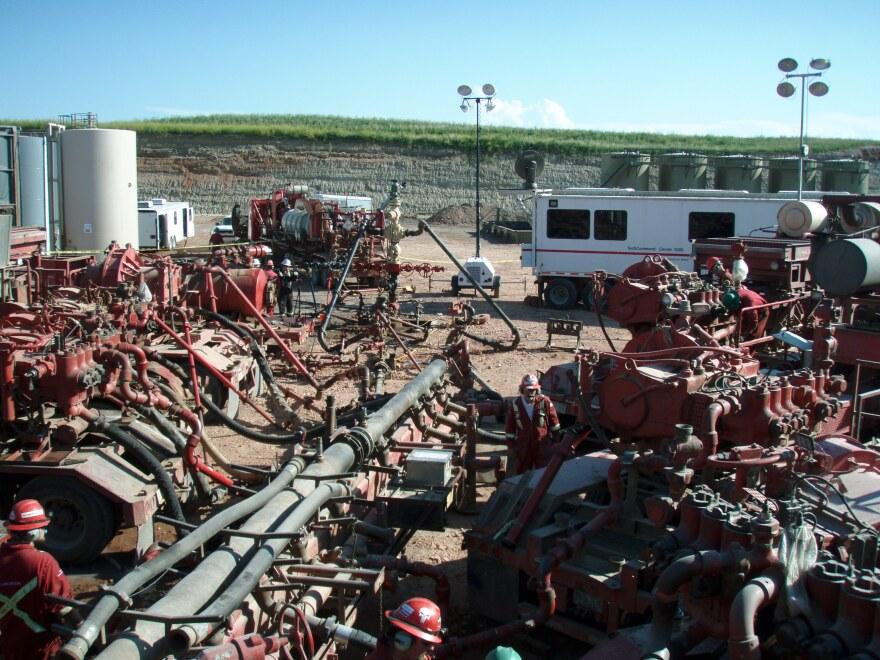 Fracking_operation.JPG