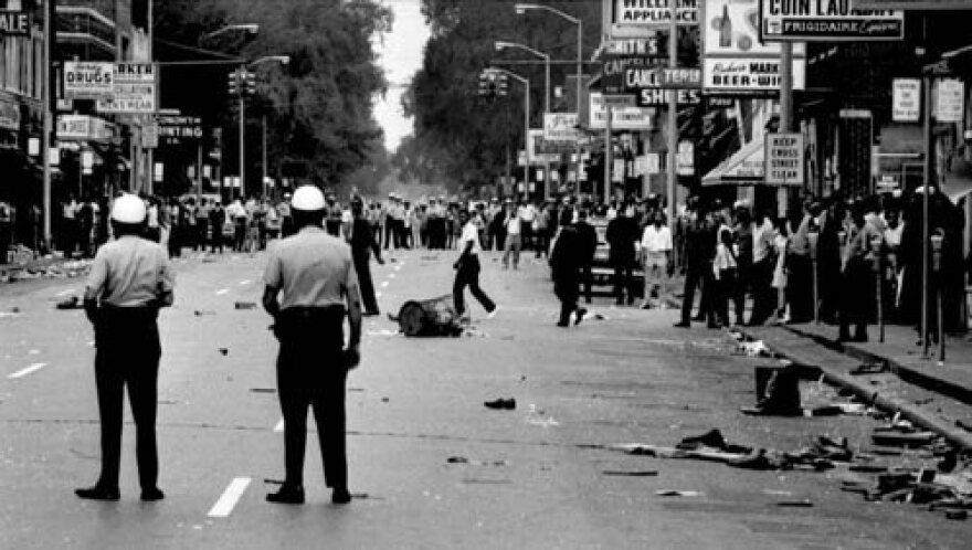 detroit_race_riot_1967_0.jpg