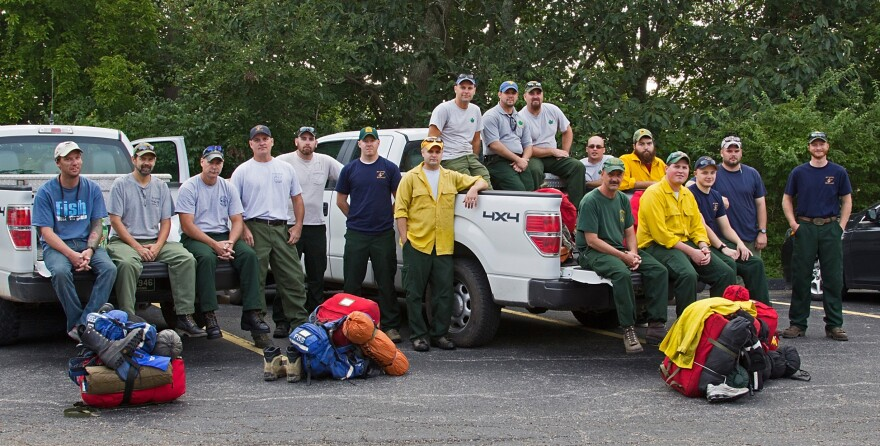 Forestry_Fire_Crew-rs-5728a.jpg