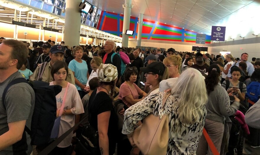 Long lines at Customs at DFW International on Saturday.