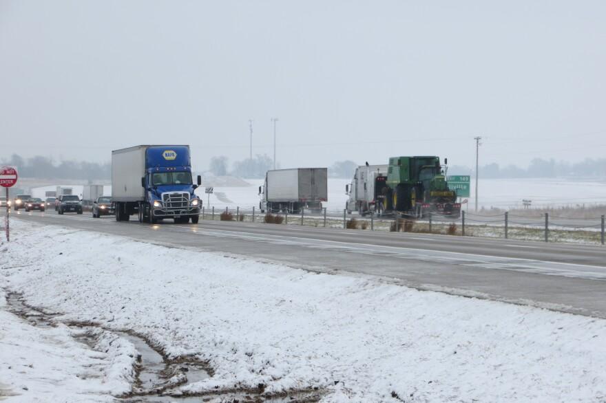 trucks_oninterstaste.JPG