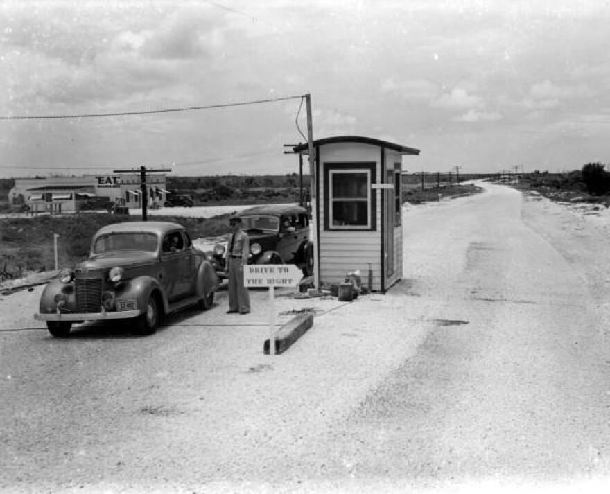 An image of a toll booth in Islamorada, circa 1940.