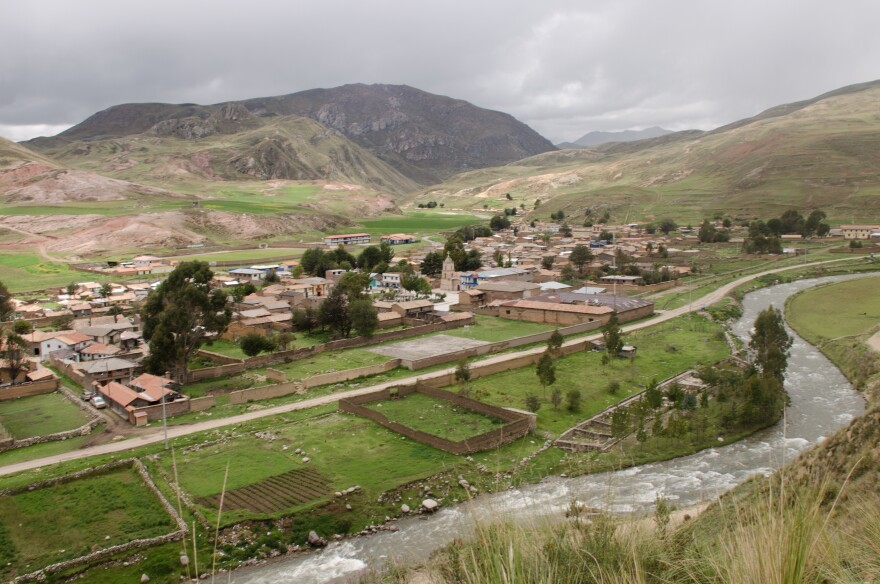Wetlands that surround the Peruvian village of Canchayllo (nearly 2 1/2 miles above sea level) are disappearing.