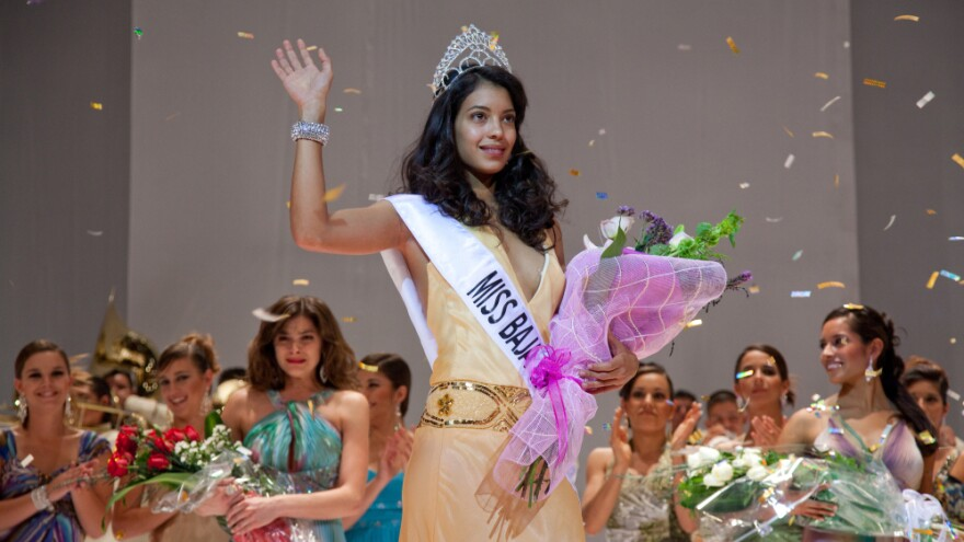 Stephanie Sigman plays Laura, a beauty queen drawn unwillingly into a Mexican drug gang, in the film <em>Miss Bala</em>.
