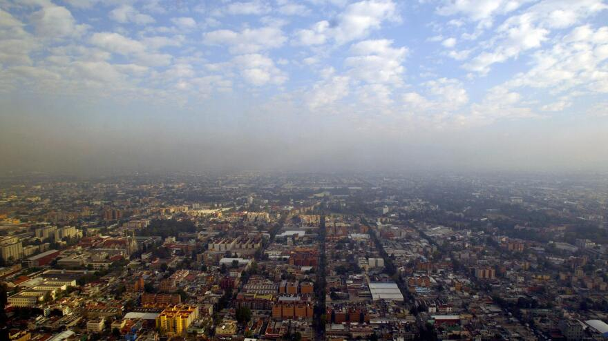 """<strong></strong>In heavily polluted Mexico City, crime writer Paco Ignacio Taibo II describes his exhausted detective Hector Belascoaran Shayne as looking out at his hometown and seeing """"a city that was trying to hide itself in the smog."""""""