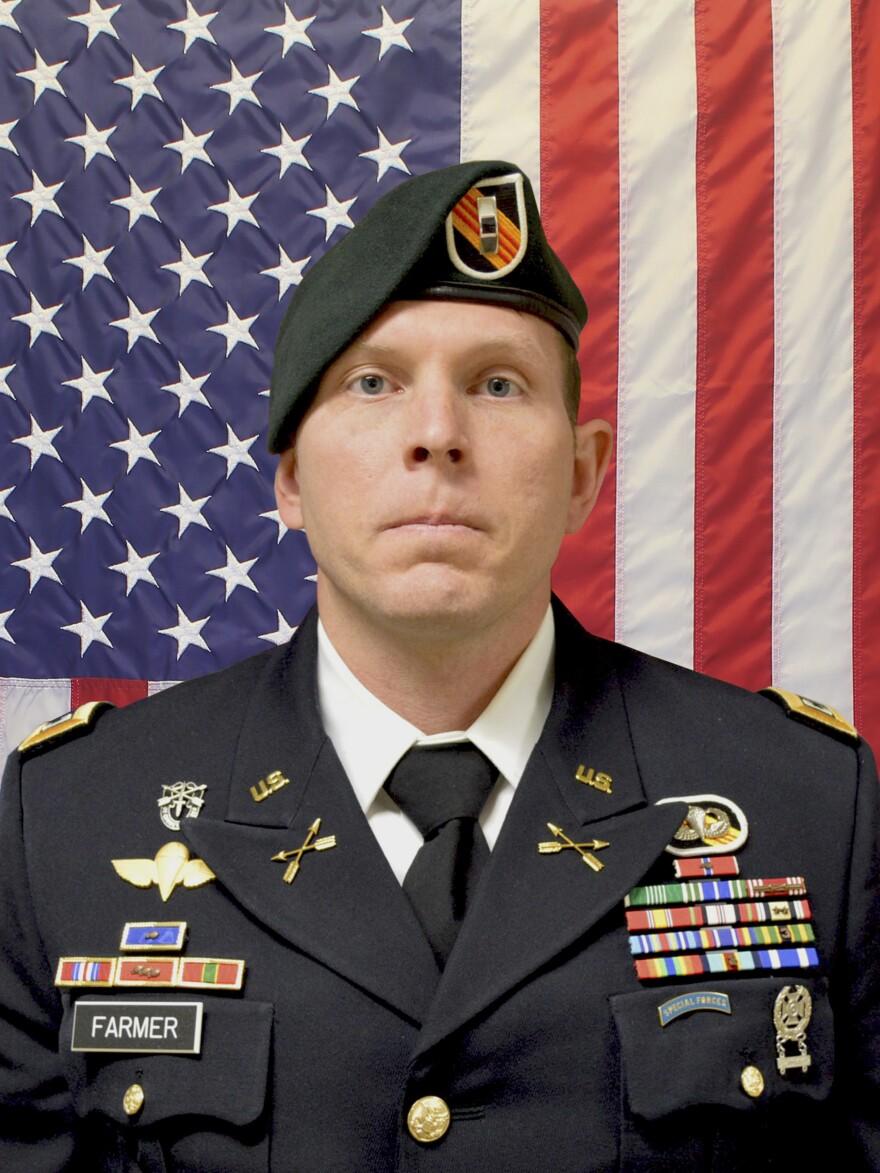 Army Chief Warrant Officer 2 Jonathan R. Farmer, 37, of Boynton Beach, Fla., was killed in the northern Syrian town of Manbij on Wednesday.