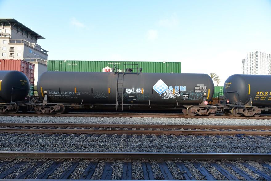 source-oil-train.jpg