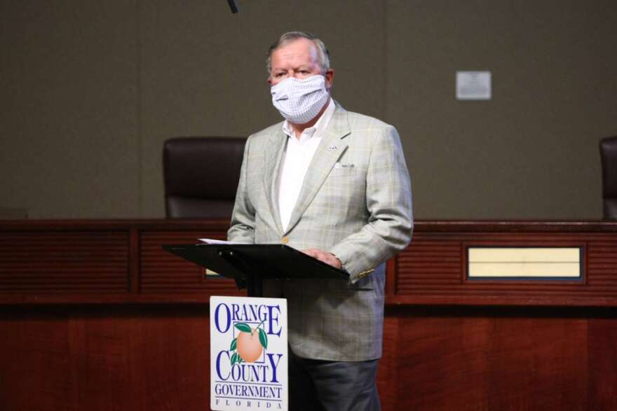 Buddy Dyer wearing mask