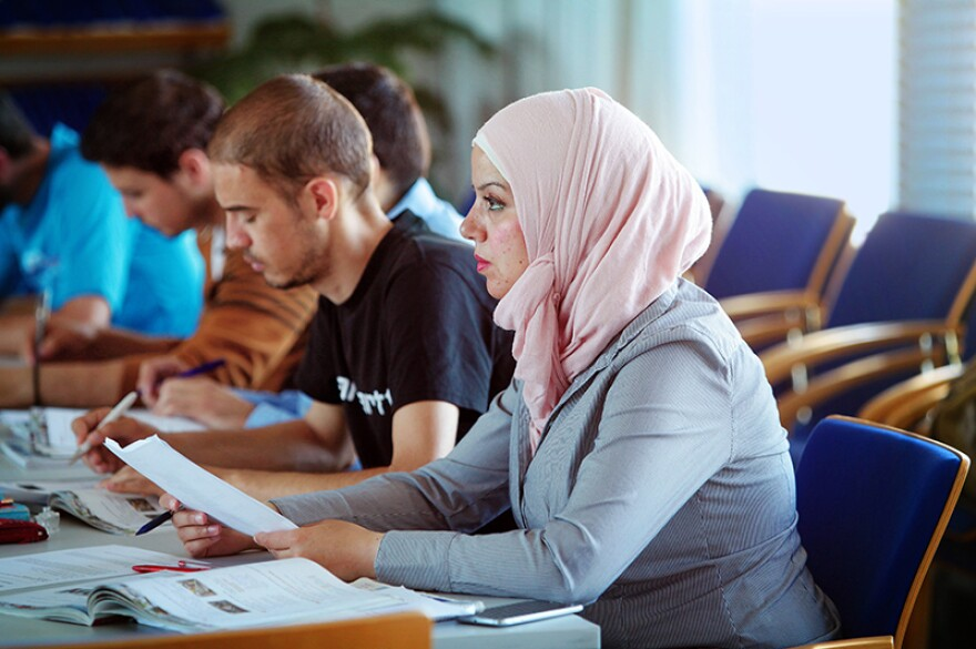 There's been little investigation until now into how the brain changes as we learn a second language and how those changes might differ from language to language, depending on differences in grammar or similarities in the meanings of words. Students in the Leipzig courses are native Arabic speakers learning German.