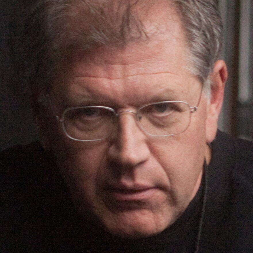 Acclaimed writer-director-producer Robert Zemeckis has worked on more than 30 films, including the <em>Back to the Future</em> series and <em>Forrest Gump</em>, for which he won an Oscar for best director.