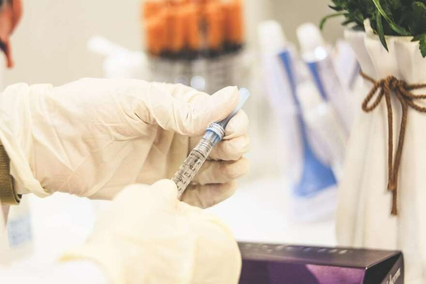 111320-virus-vaccine-stock-SamMoqadam.jpg