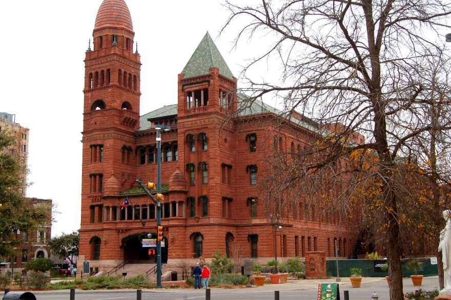 bexar-county-courthouse-landscape-130115.jpg