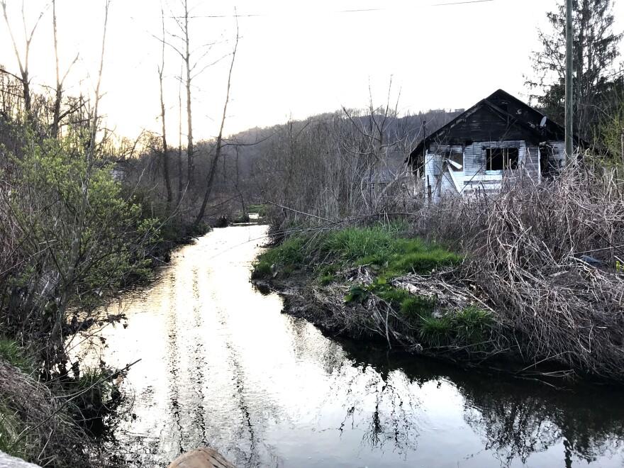 Arbuckle Creek, Minden