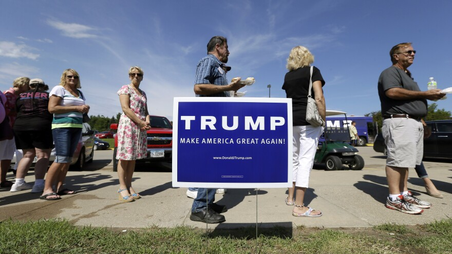 Donald Trump has staffed up in Iowa and New Hampshire but hasn't reached out to top party leaders and taken the typical campaign approach.