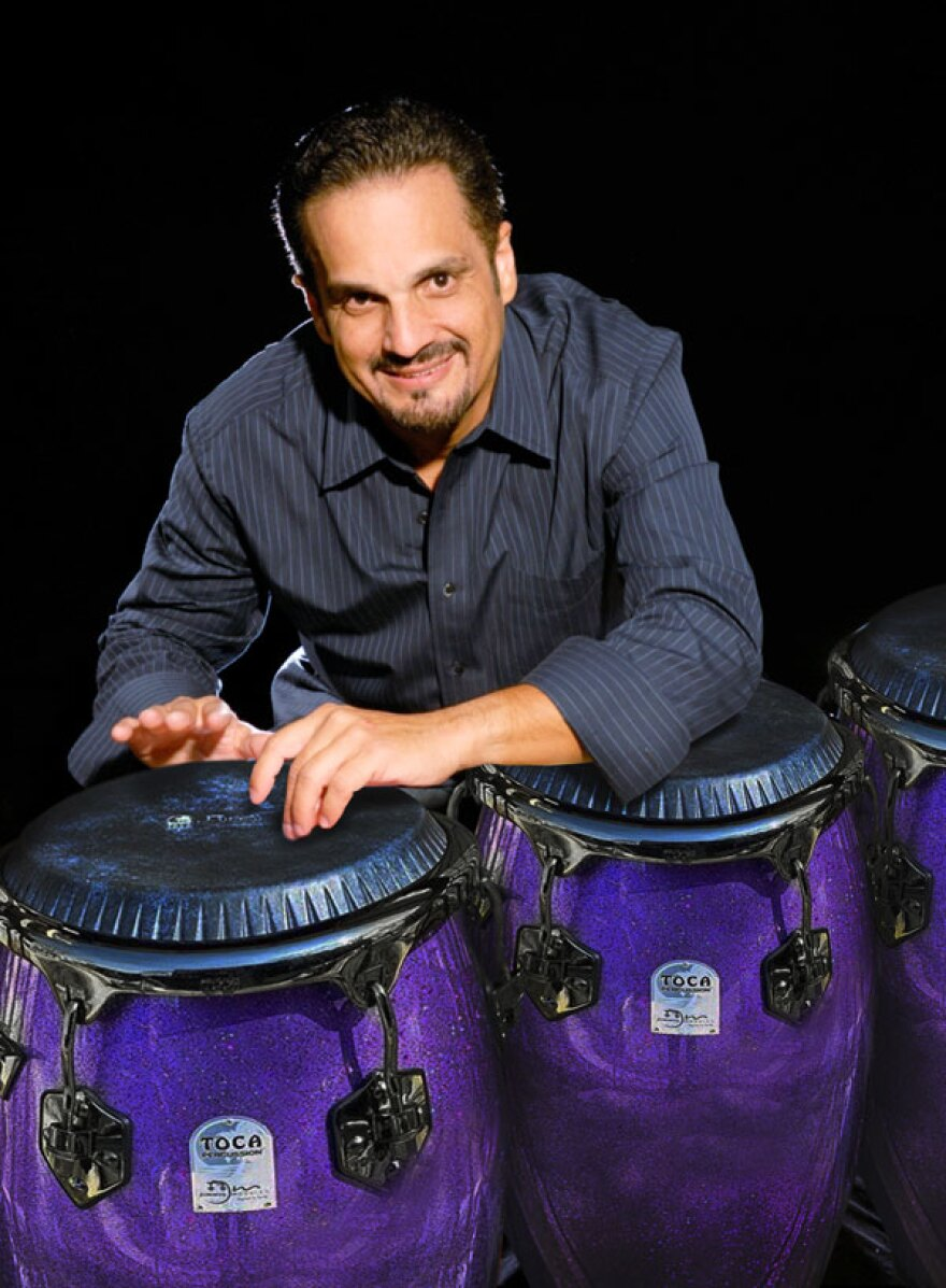 Jimmie Morales Toca Percussion