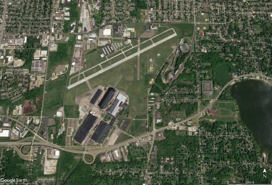 photo of Akron Fulton Airport