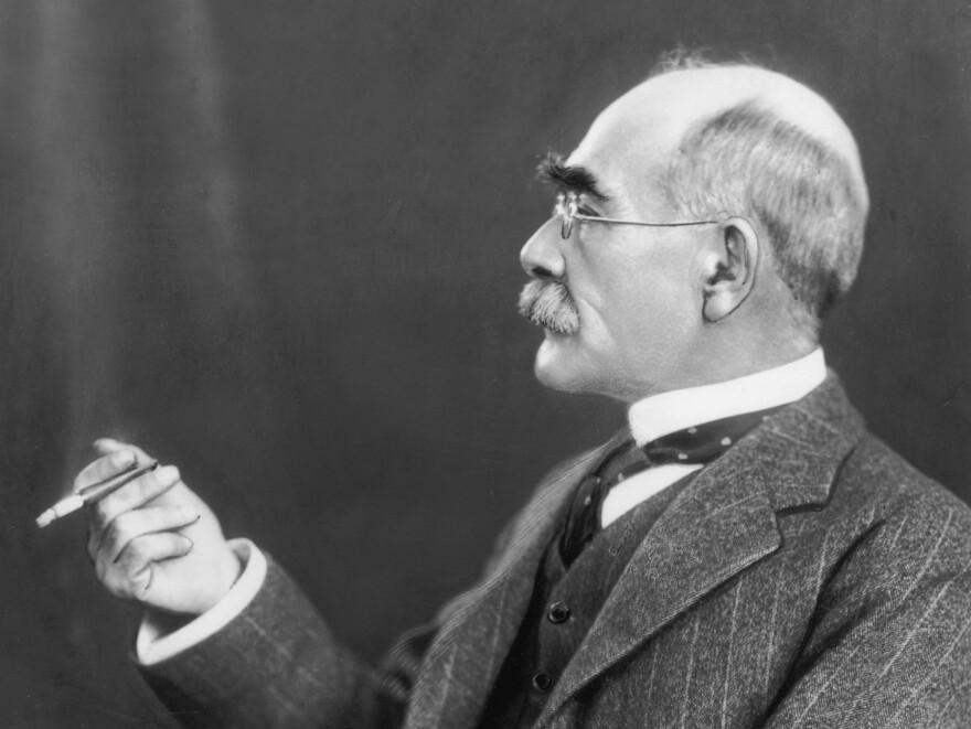 English poet and novelist Rudyard Kipling poses in 1925.