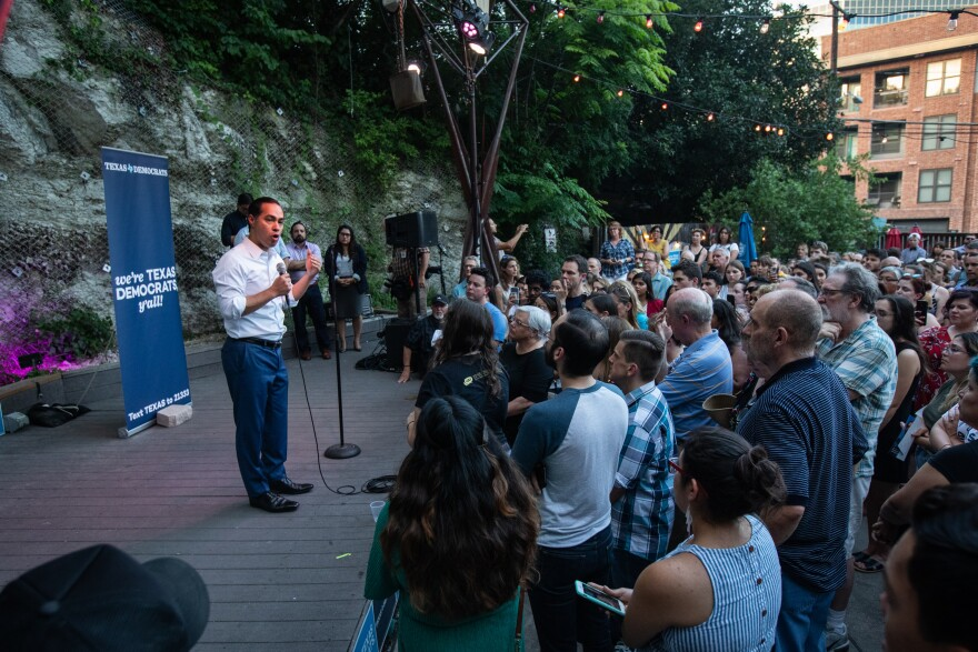 Democratic presidential candidate Julián Castro holds a rally at Sheer Up Charlies in downtown Austin on June 28, 2019.