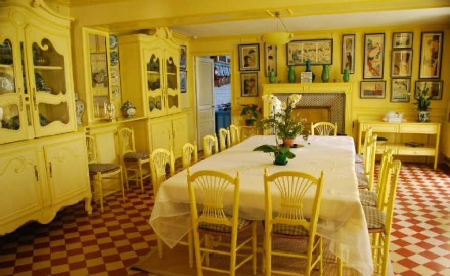 monet_dining_room.jpg
