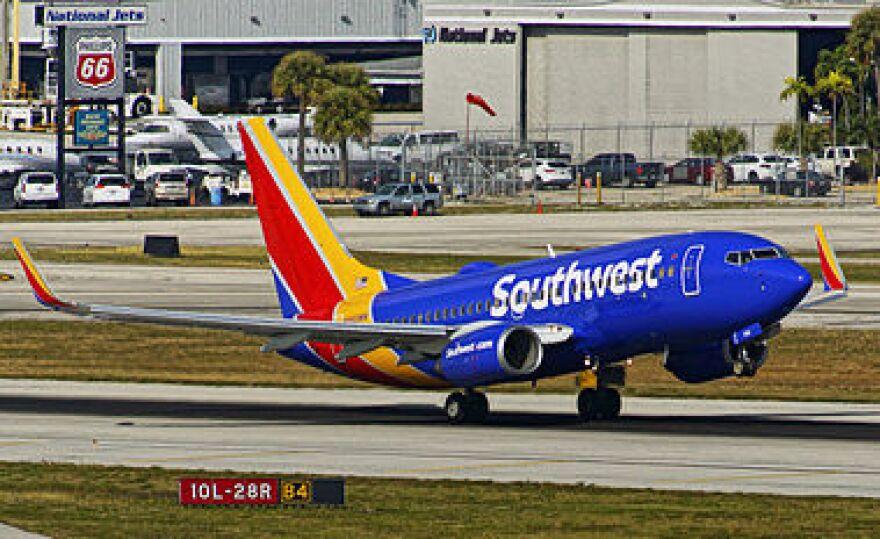 southwest_737-_700.jpg