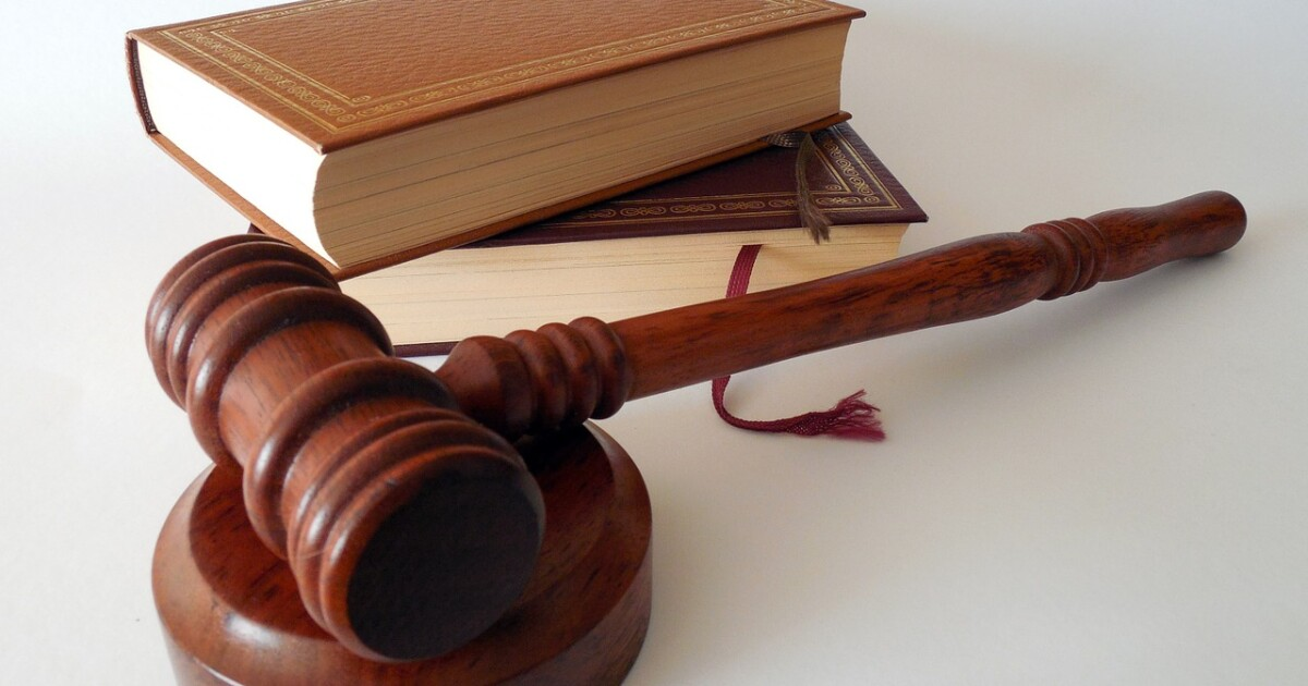 law gavel PD.