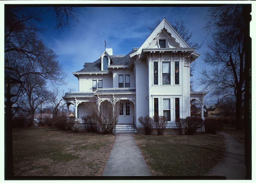 1024px-Harry_S_Truman_House_-_Independence,_Missouri_-_368242cu.jpg