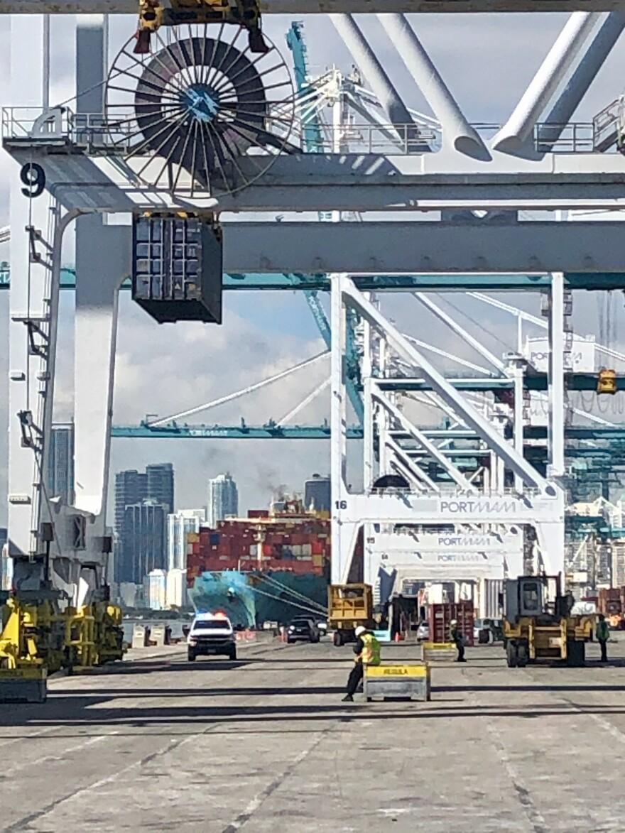 PortMiami-crane-01212021.jpeg